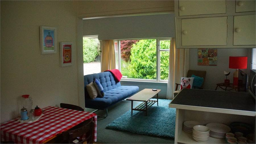 Port chalmers holiday homes accommodation rentals baches for Beach bach designs