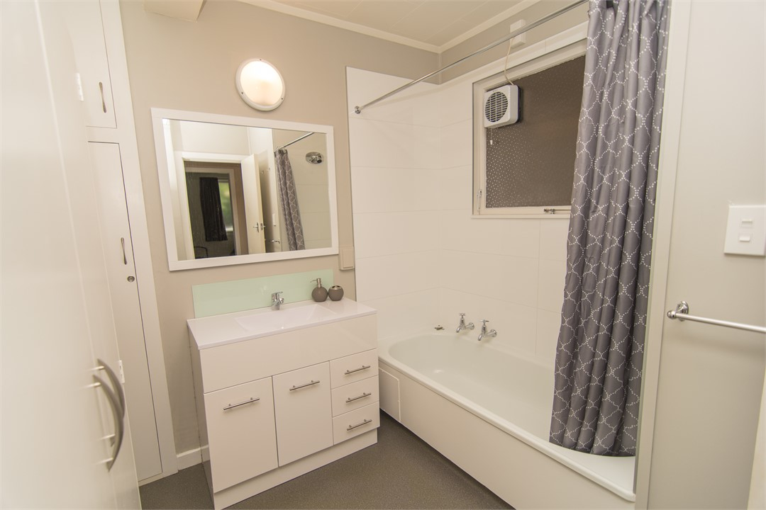 timaru single personals Newly renovated fabulous open plan cosy 3 bedroom house with the ocean  literally at your doorstep unobstructed sea views makes this a nice retreat for the .