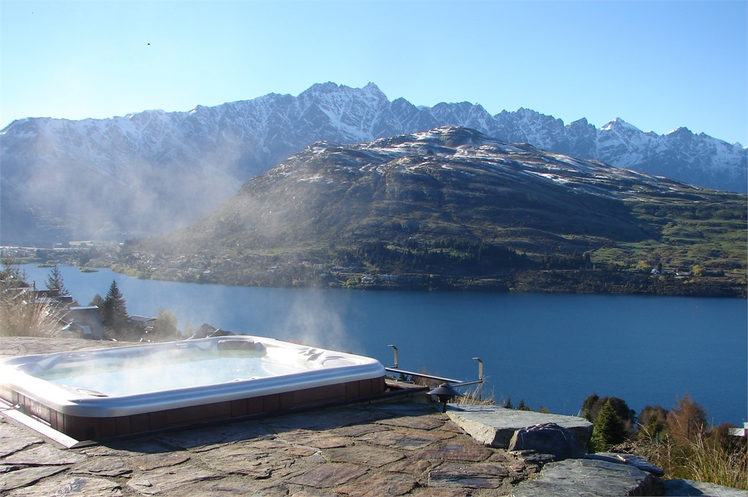Goldleaf House Wi Fi Available Amp Spa Pool Queenstown