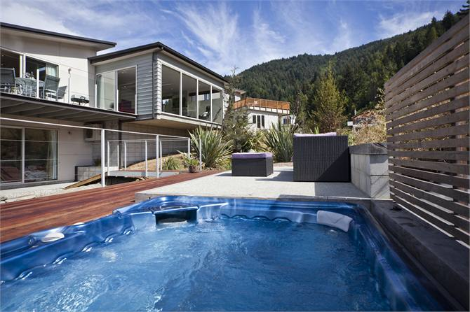 Queenstown Holiday Home accommodation Highview Retreat