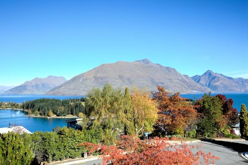 Breathtaking views close to town on panorama terrace for Panorama terrace queenstown