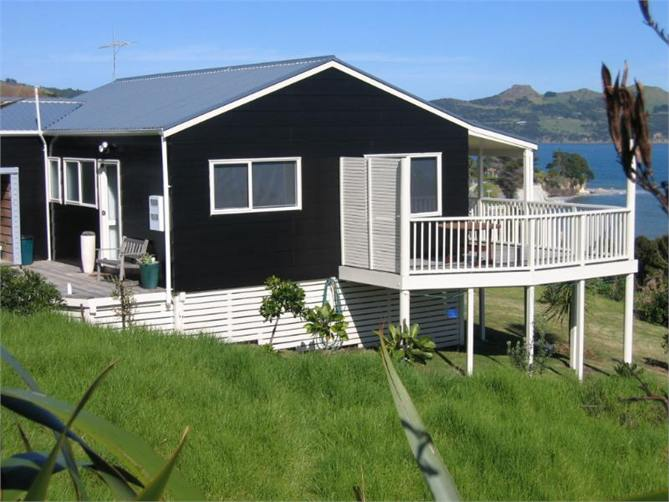 Omapere holiday homes accommodation rentals baches and vacation homes for rent in nz book a - Two story holiday homes ...