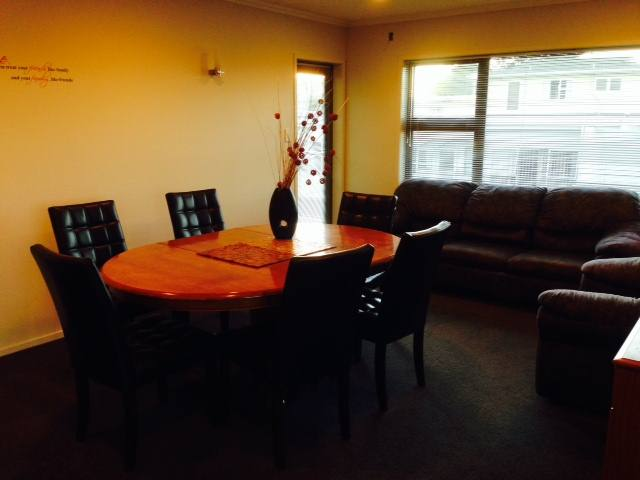 Beauty Room To Rent Plymouth