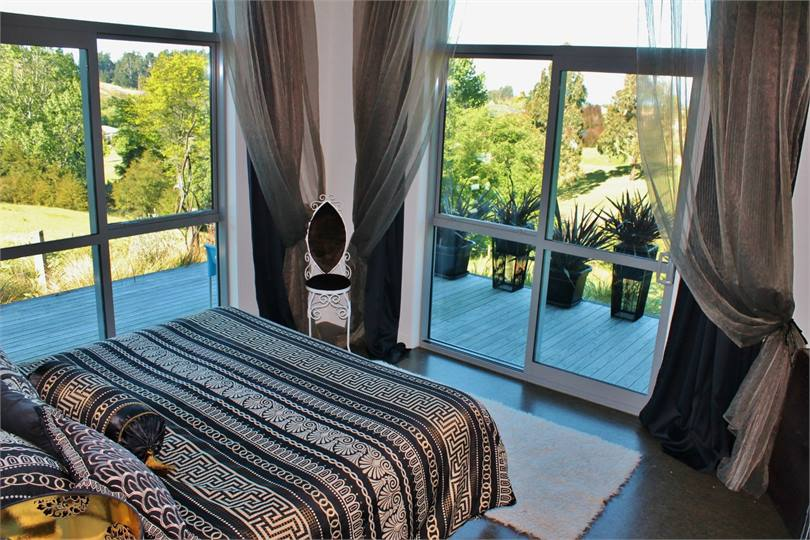 bay village big and beautiful singles Big bay is a popular holiday hub in bloubergstrand stunning 6 sleeper in seaside village b22, big bay cape town this place is beautiful and safe.