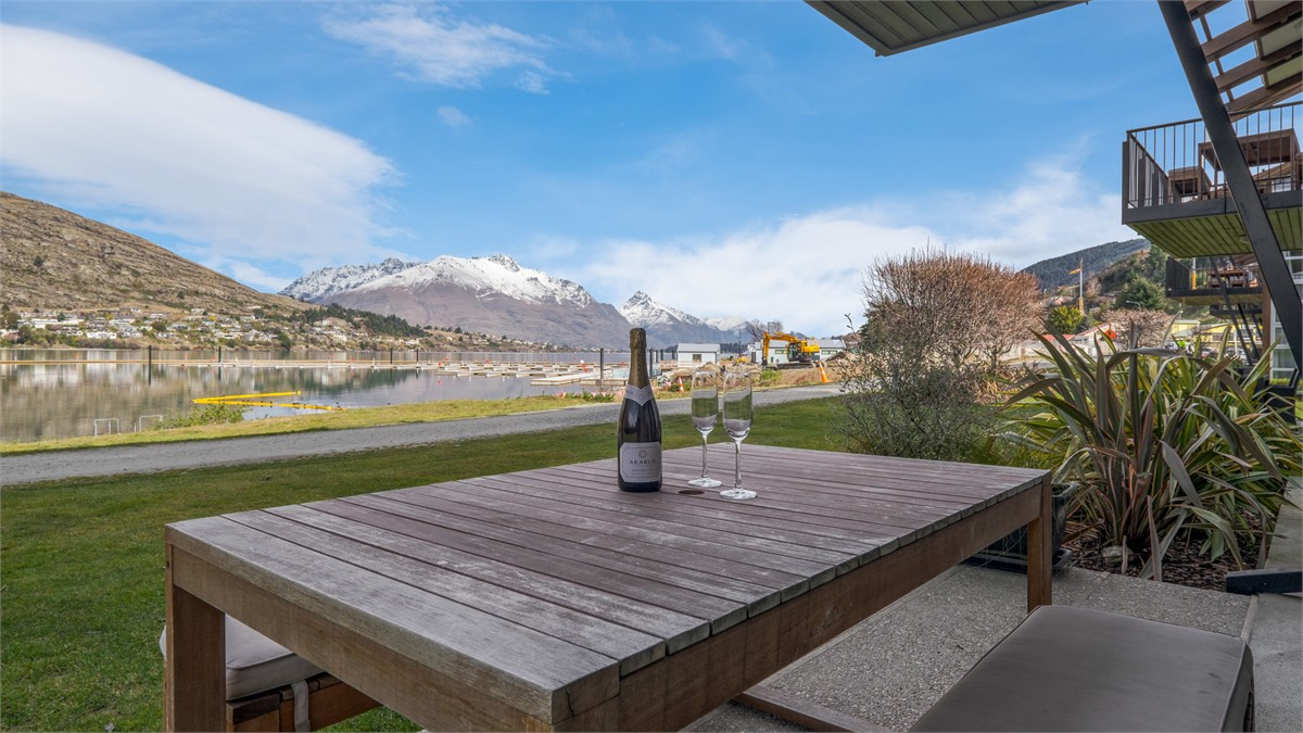 Marina Apartment 108 - Queenstown Holiday Home for rent ...