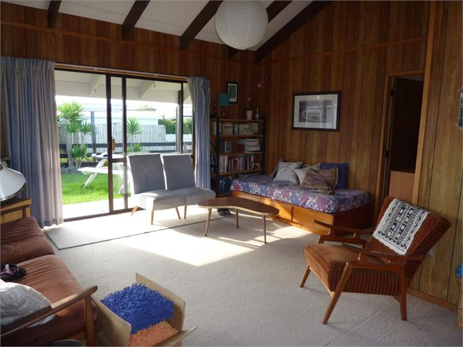 Classic Kiwi Bach - Whangamata Bach for rent | Holiday Houses