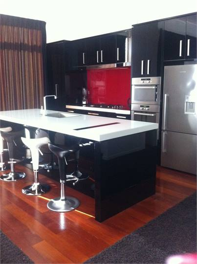 THE RED APARTMENT - 200m from the Len Lye Centre - New Plymouth ...
