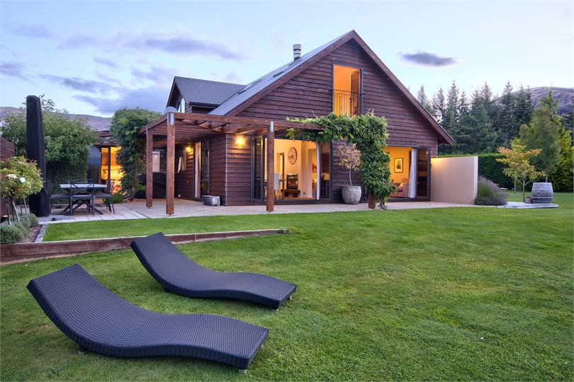 Marvelous 11 LUXURY WANAKA HOUSE WITH SPA POOL   WANAKA ACCOMMODATION   Wanaka Holiday  Home For Rent | Holiday Houses