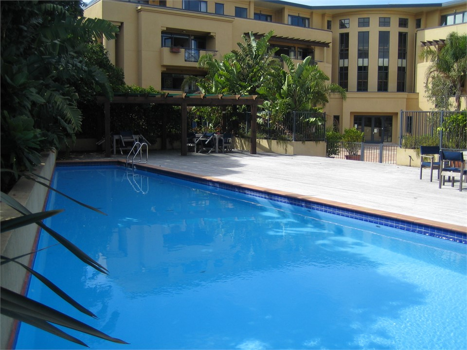 2 bedrooms with pool beach others north shore - University of auckland swimming pool ...