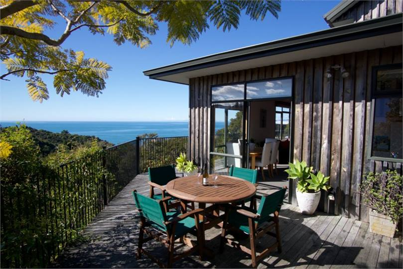 Kaiteriteri holiday homes accommodation rentals baches for Holiday home designs new zealand