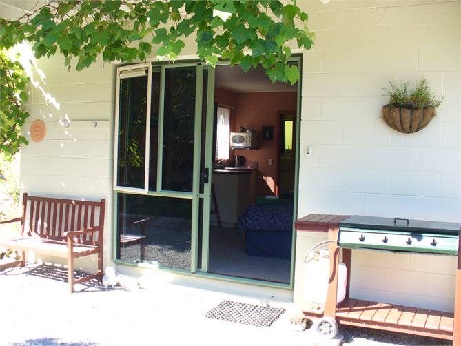 pigeon falls dating site Motel 6 pigeon forge - parkway is located off us-441 pigeon forge outlet mall  and dollywood/dixie stampede are nearby rooms include free wi-fi and.