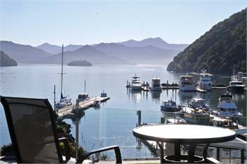 marlborough sounds holiday homes accommodation rentals baches and vacation homes for rent in. Black Bedroom Furniture Sets. Home Design Ideas